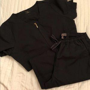 Black jaanuu scrub set